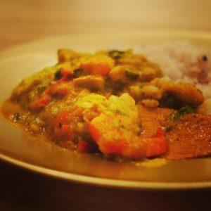 「海老とイカの豆乳カレー」  ☆春の野菜と果物の旨味たっぷりです☆