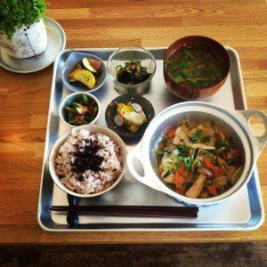 茶美豚と旬野菜の生姜焼き
